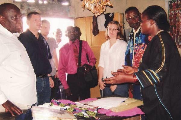 Visite de Madame Claudine NSIMBA, Couturière encadrée par le CADEA, dans la Commune de N'djili