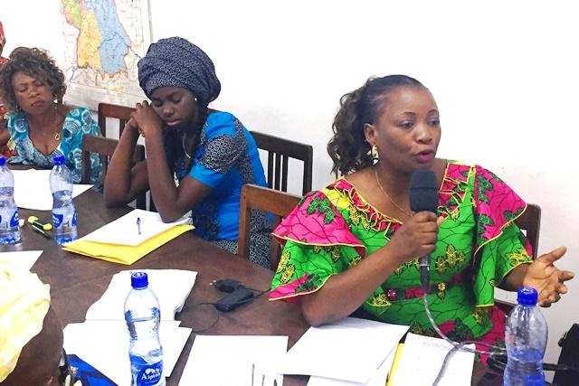 Les femmes politiques et leaders sont aussi présentes. Ici, Maître Patricia NSEYA, secrétaire nationale chef de département des affaires sociales de l'UDPS, partage sont point de vue